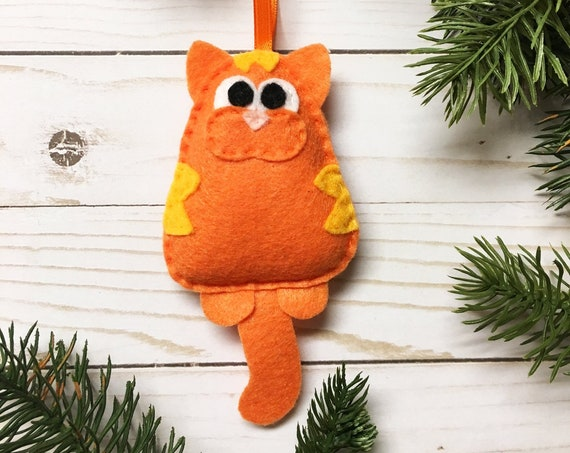 Cat Ornament, Christmas Ornament, Lady Frumpysforth the Third the Tabby Cat