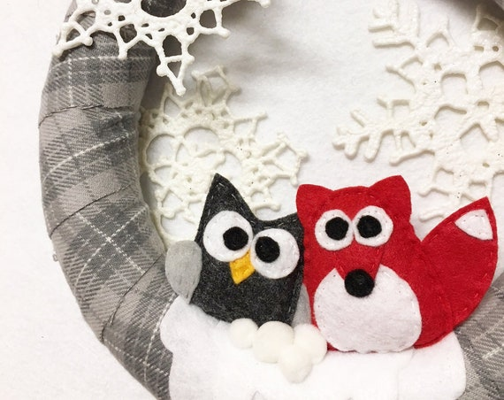 Gray Plaid Wreath, Christmas Owl and Fox Wreath, Winter Door Hanger, Lightweight Wreath