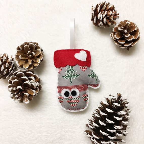 Mitten Ornament, Christmas Ornament, Marleen the Mitten - Keepsake Kids Decor