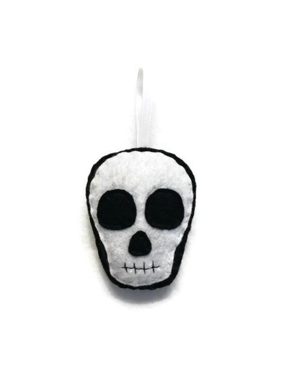 Skull Ornament, Halloween Ornament, Sam the Skull, Felt Skull, Day of the Dead, Plush Skull