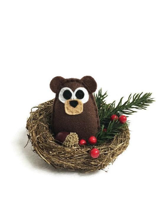 Bear Winter Nest. Christmas Decoration, Mantle Decoration, Wedding Table Centerpiece, Woodland Decoration, Rustic Cabin Decor, Best Seller