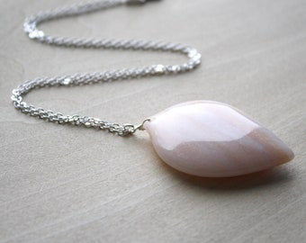 Peach Aventurine Necklace for Prosperity and Strength