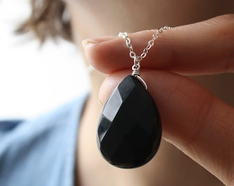Black Onyx Necklace for Women . Black Stone Pendant Necklace . Black Teardrop Necklace . Large Pendant Wire Wrapped Necklace