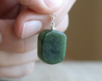 Canadian Jade Necklace for Prosperity and Good Fortune