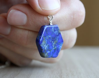 Lapis Lazuli Necklace for Solid Judgement and Inner Strength