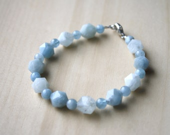 Natural Aquamarine Bracelet for Courage and Relief from Stress