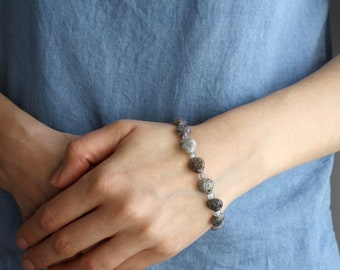 Sesame Quartz and Labradorite Bracelet for Stress Relief and Transformation