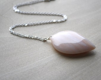 Peach Aventurine Necklace for Prosperity and Strength NEW
