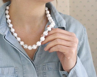 White Howlite Necklace for Calm and Creativity NEW