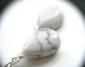 White Howlite Necklace in Sterling Silver