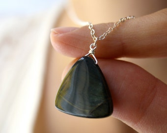 Hawks Eye Necklace for Anxiety Relief and Clear Communication