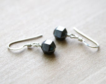 Hematite Earrings for Relief from Stress and Harmonizing the Mind, Body, and Soul