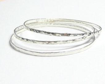 2 mm thin silver bangles /hammered bangle/bracelet set