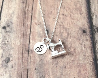 Sewing machine initial necklace - sewing machine jewelry, seamstress gift, silver sewing machine pendant, seamstress jewelry, sewing gift
