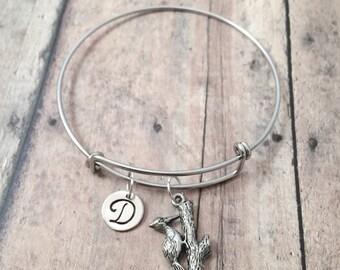 Woodpecker initial bangle - woodpecker jewelry, bird watcher jewelry, silver woodpecker pendant, woodland jewelry, bird watcher gift