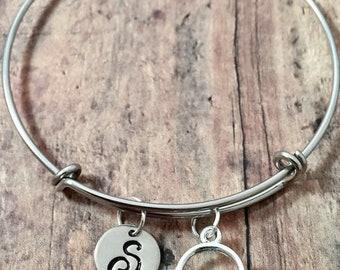 Sand pail initial bangle - sand pail jewelry, beach jewelry, sand bucket bracelet, ocean jewelry, vacation jewelry, beach bracelet