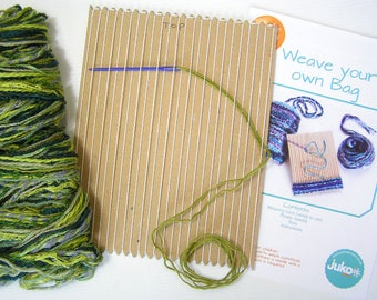 Card weaving kit to make a green woven bag