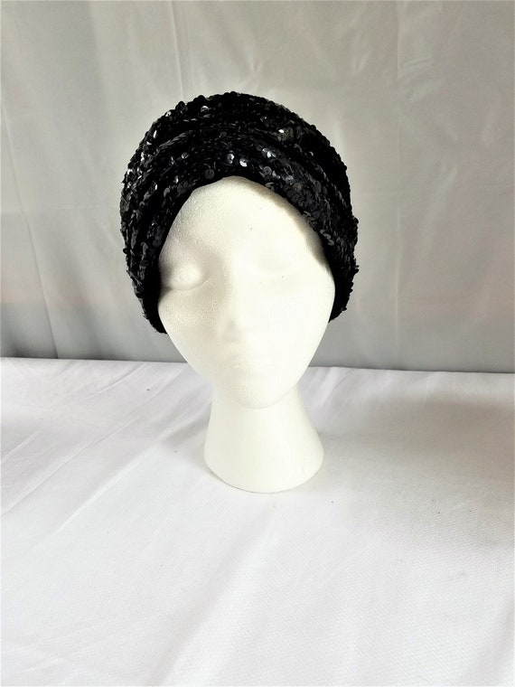 Vintage BLACK SEQUIN  Skull Cap/ Cloche /Cocktail