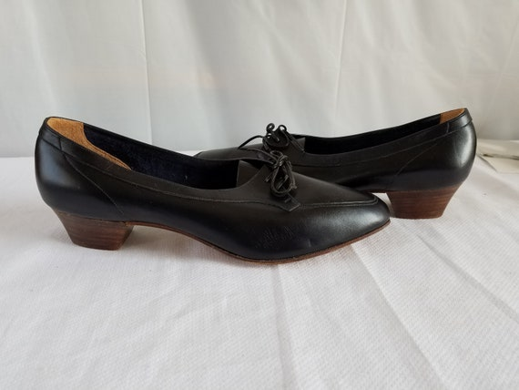 Vintage  PAVANO  Lace Up  SHOE
