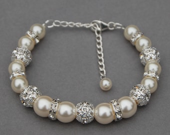 Brides Bracelet, Ivory Pearl Bracelet, Wedding Day Jewelry, Bridesmaid Gifts, Wedding Party, Bridal Jewelry, Pearl Lover Gift
