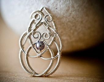 Wire Jewelry Tutorial - Celtic Knot Pendant, DCHMT009