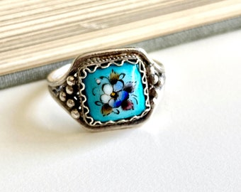 Pretty Vintage Hand Painted Porcelain Blue Flower Filigree Silver Ring