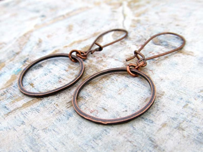 small copper earrings coworker gift under 15 hammered circle image 0