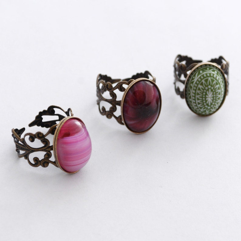 Adjustable Filigree Rings with Vintage Stones JewelryFineAndDandy Vintage Glass Jewelry Red Ring Adjustable Band Green Ring Pink Ring