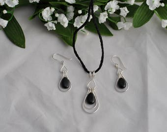 Sterling silver and black stone set - Sterling hoop set - Silver and black set - Modern/classic set - Jewelry set - Earring and pendant set