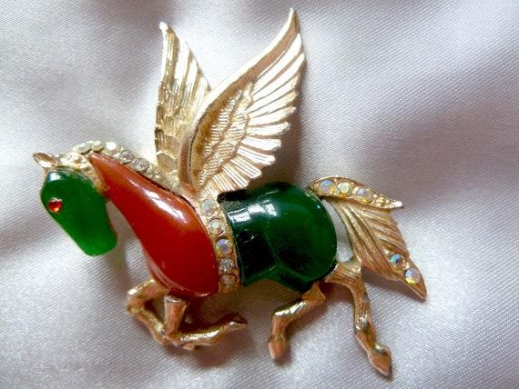 Pegasus Lapel Pin Flying Horse Wedding Boutonniere Gold Stick Pin Vintage Hat Pin Pegasus Brooch Pegasus Jewelry Gold Pegasus