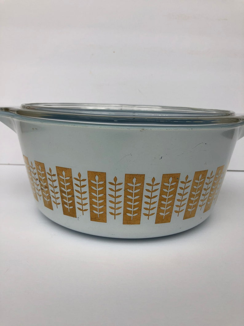 Pyrex Gourmet Gold Branches Promotional 2.5 Quart Casserole Dish with Lid Delphite Blue Glass 1961 Hard to Find