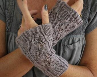 PDF Lucia Cottage Garden Wristers