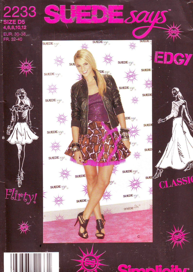Simplicity Pattern 2233 Misses Circle Skirt in Three Lengths image 0