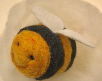 Bee Needle Felting Kit