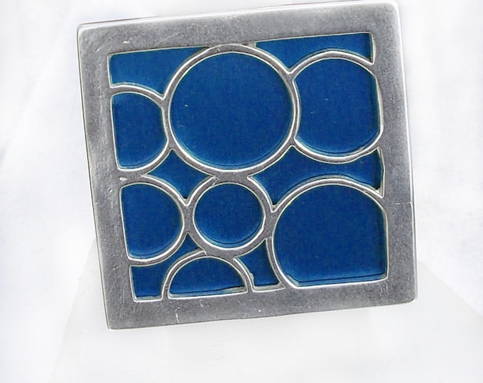 Super Size square bubble ring in blue