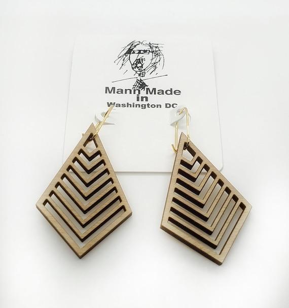 Wood Filigree points Earrings