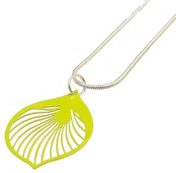 Enameled Filigree Ginkgo Leaf Pendant in Lime Green