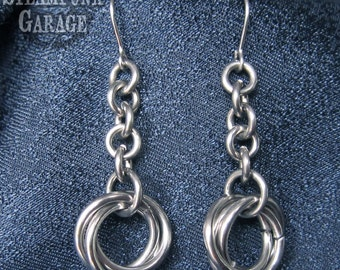 LIGHT Earrings Dangling Mobius Chain