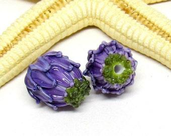 2 glass beads, blossom, purple, green, lampwork, hole 2mm