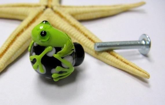 lampwork muranoglass 20mmx25mm incl glass doorknob with frog M4 nut with screw