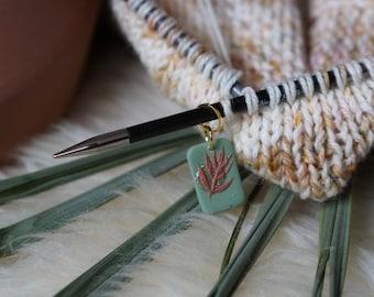 Dried palms stitch marker in Sage