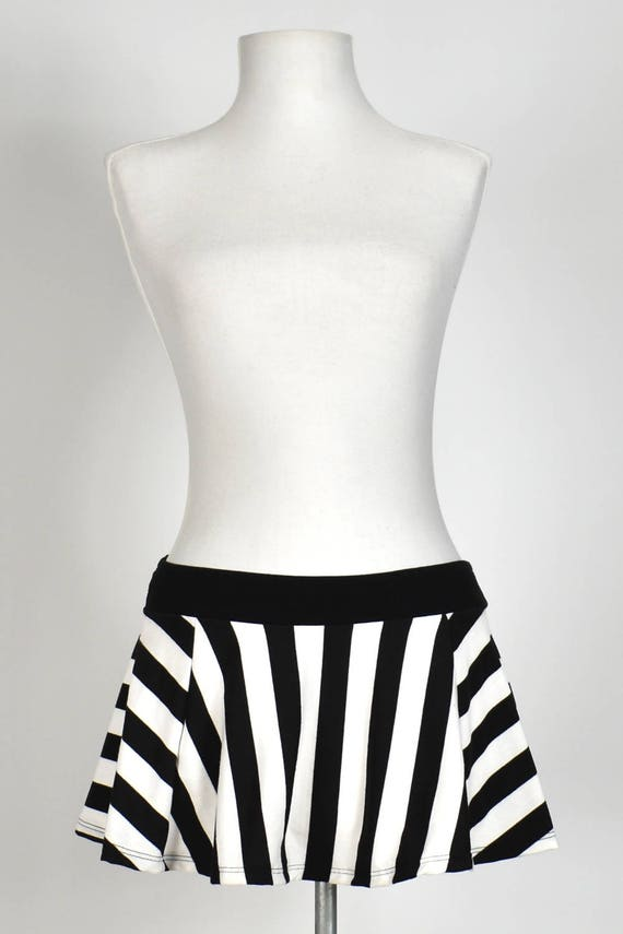 13716c16ca2 Black and White Striped Flared Skirt 4 Length Options