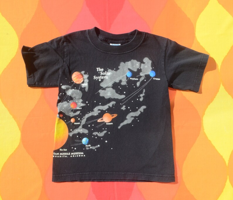 vintage kid t-shirt SOLAR SYSTEM outer space sun nature tee children Small 6