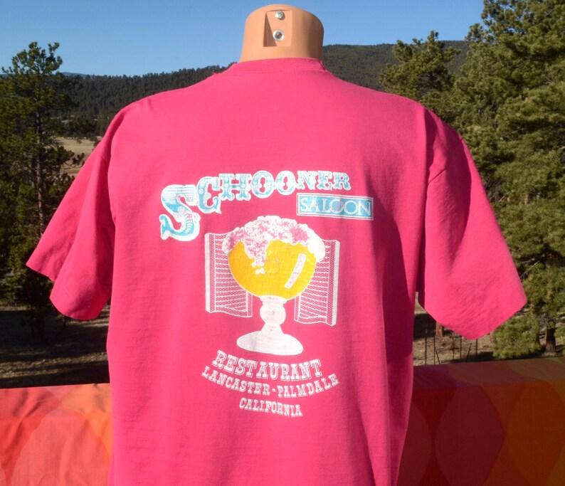 vintage 80s t-shirt SCHOONER SALOON bar beer restaurant california magenta  pink tee XL 90s
