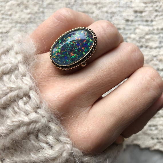 Vintage Simulated Opal Triplet Ring in 9k yellow g