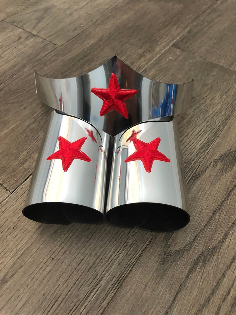 Silver Wonder Woman Tiara and cuff bracers Adult cosplay image 0