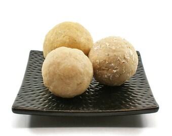 Decorative Balls of Soap   Soap Balls, Fresh Warm Scent, Rustic Farmhouse Style, Medium Size Balls   Set of Three
