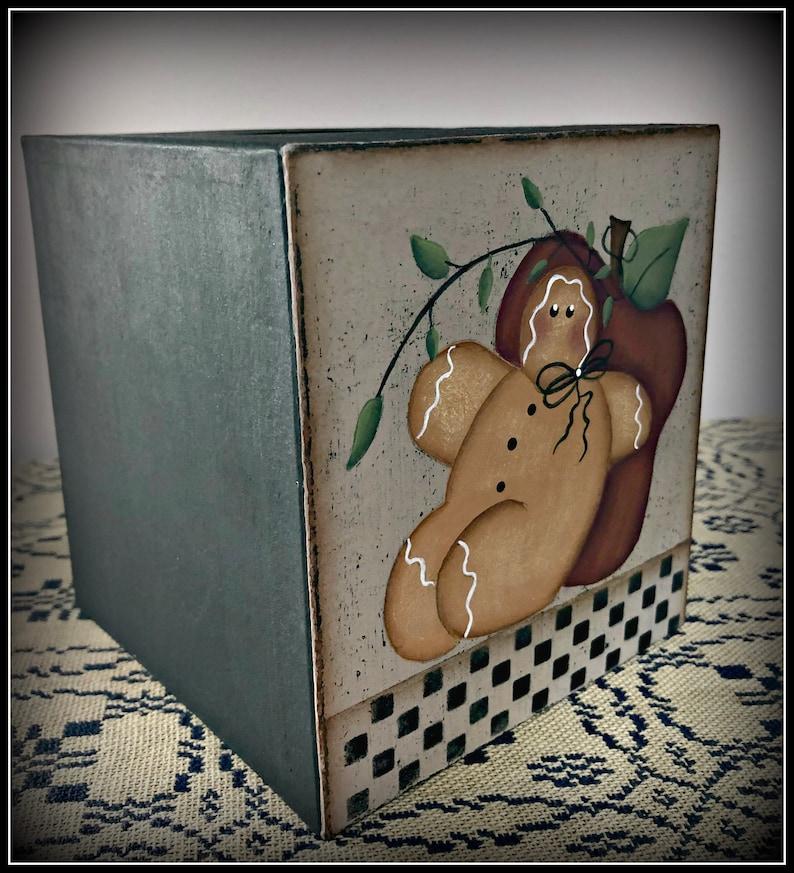 Gingerbread Apple Paper Mache Tissue Box Holder-Hand Painted Home Bath Decor