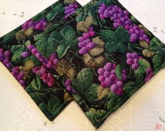 Wine Country Grape Print Pot Holders set of 2