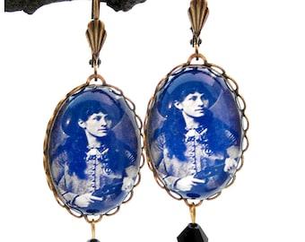 Sharp Shootin' Annie Oakley Earrings